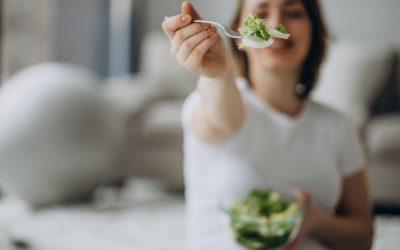 Alimentation des personnes âgées à domicile : 9 solutions pratiques à envisager